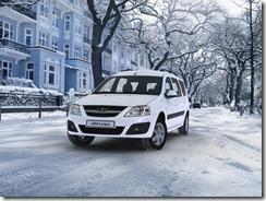 Белый Лада Ларгус фото зимой